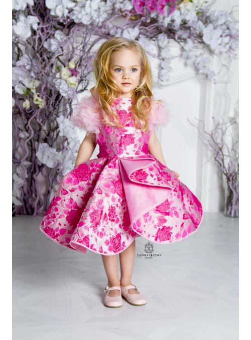 Элегантное платье Wing для юных модниц.